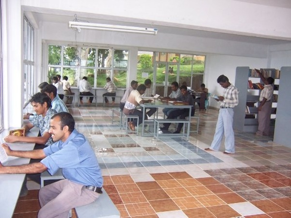 students-in-library3